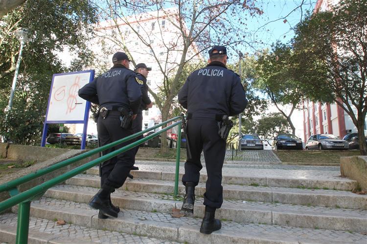 PSP acusada de agressão à porta da discoteca Luanda