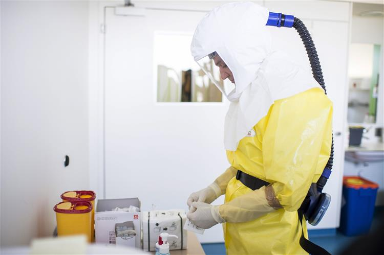 Ébola: Testes de vacinas disponíveis em Janeiro de 2015