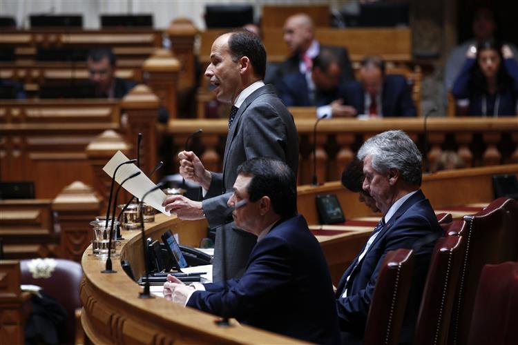 Governo descongela reformas antecipadas