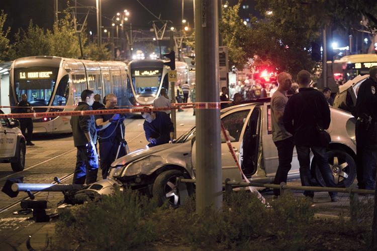 Palestiniano mata bebé judia em estação de metro