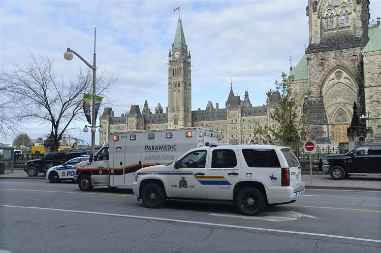 """Terrorismo: Canadá """"não se deixará intimidar"""""""
