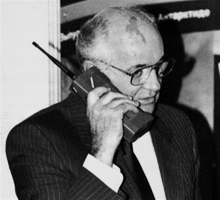 RIP Nokia: 10 telemóveis que marcaram a nossa vida