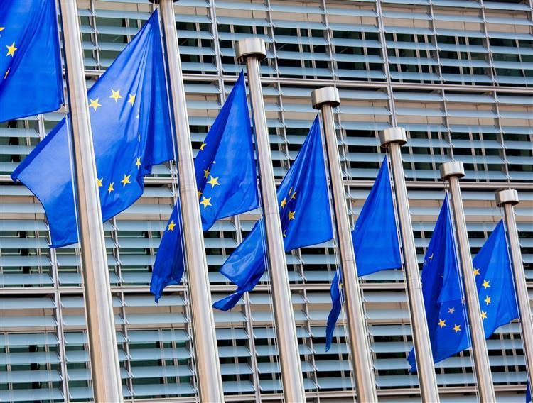 UE quer menos 40% de emissões de gases com efeito de estufa até 2030