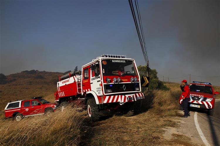 Incêndio no Cabo da Roca dominado