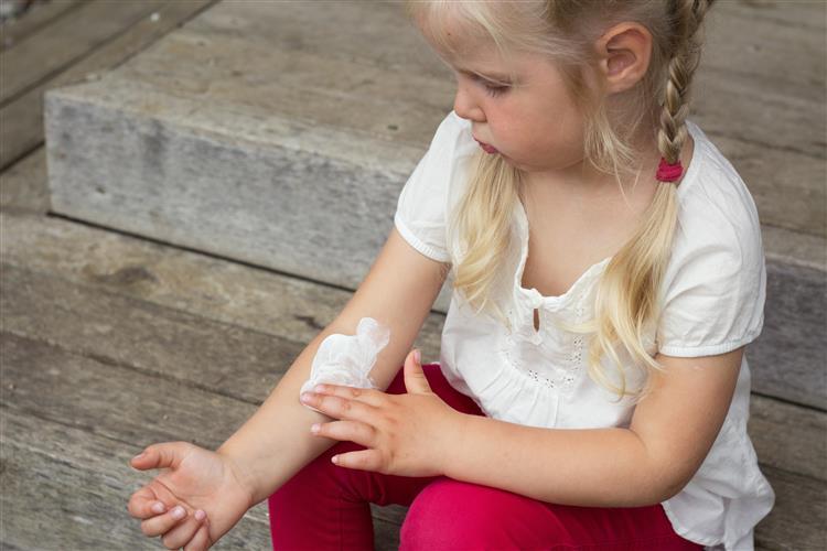Seis crianças morreram por maus-tratos nos últimos três anos