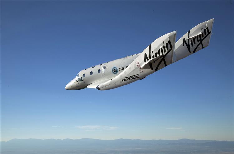 Nave espacial da Virgin Galactic caiu num voo de teste