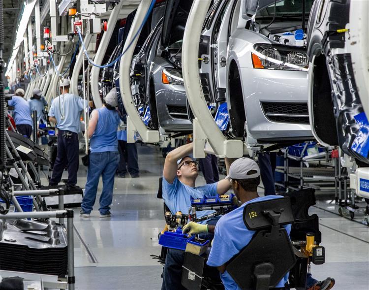 Volkswagen investe em cinco anos mais do que a troika emprestou a Portugal