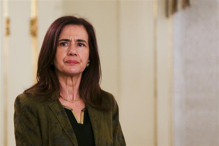 Nova ministra da Administração Interna manda investigar vistos gold