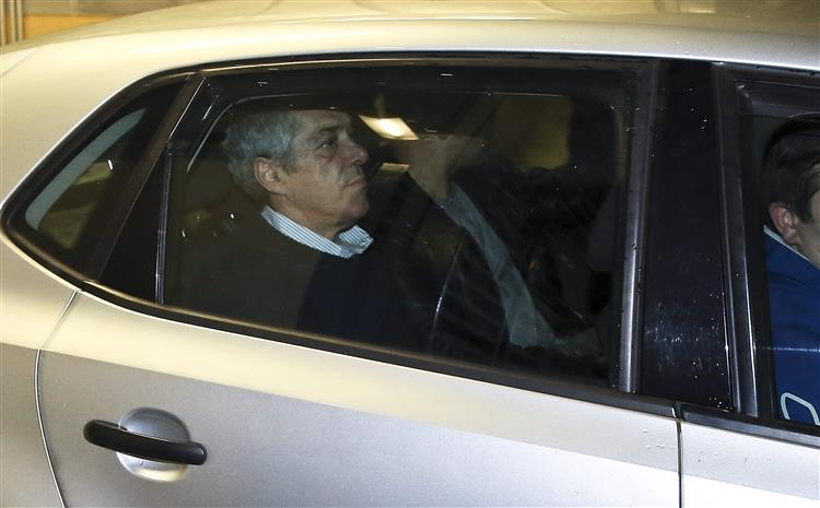 Ex-primeiro-ministro passa segunda noite consecutiva na PSP