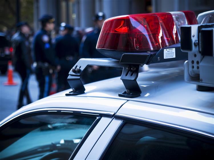 Polícia mata criança que brincava com réplica de arma