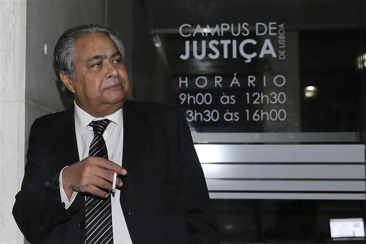 Interrogatório ao ex-primeiro-ministro continua na segunda-feira