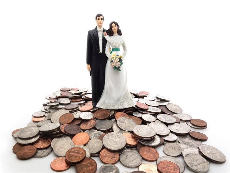Portuguesa detida por casar a troco de dinheiro em Inglaterra