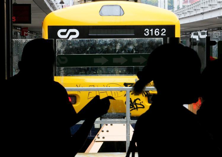 Greve de revisores da CP para sete em cada dez comboios previstos