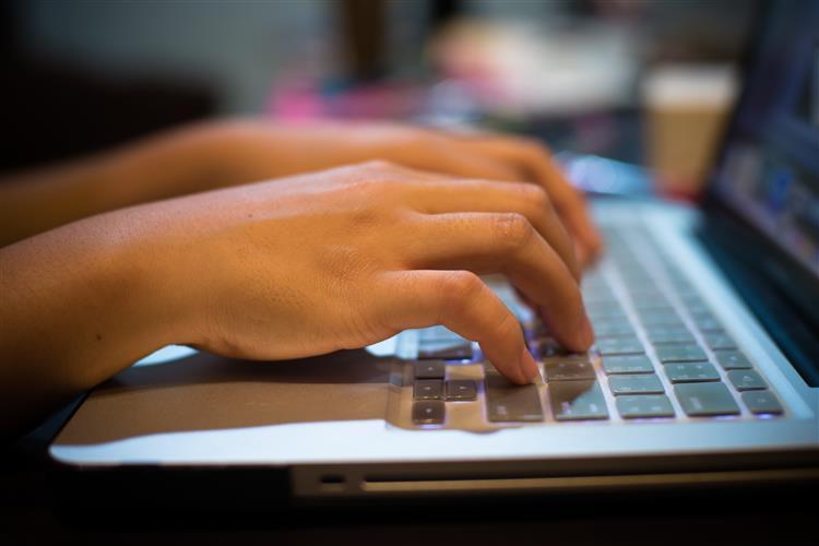 4,3 mil milhões de pessoas sem acesso à internet