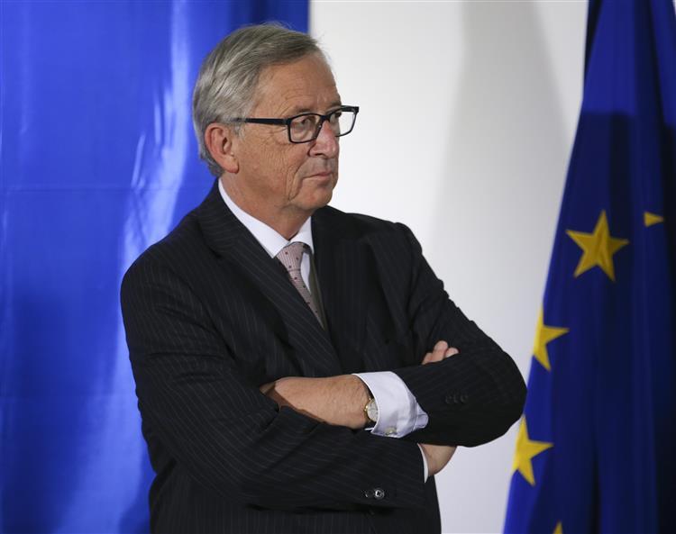 Juncker apresenta plano para investir 315 mil milhões de euros na economia europeia