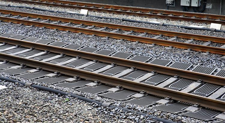 Atrasos nos comboios na Linha do Norte devido a avaria na sinalização