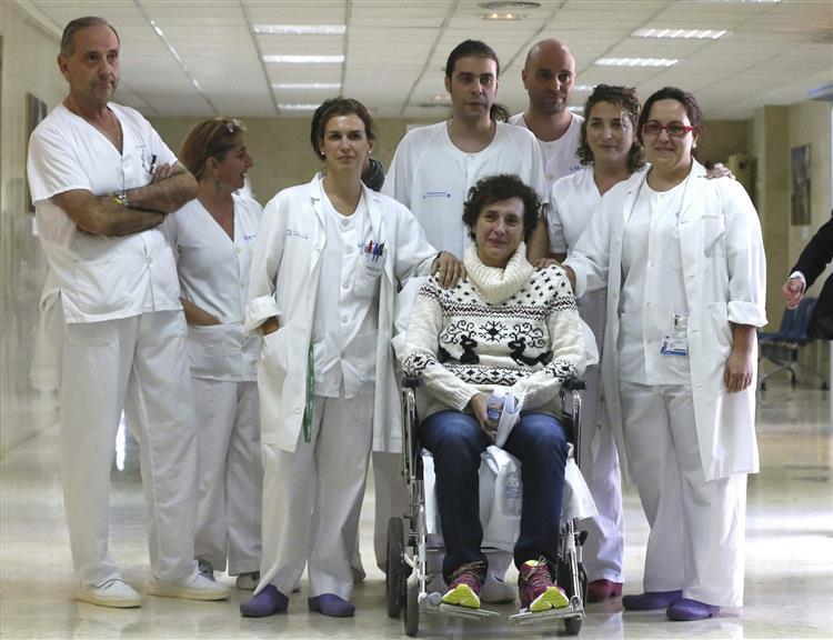 Teresa Romero, a espanhola que sobreviveu ao Ébola, vai ser processada pela médica que a assistiu