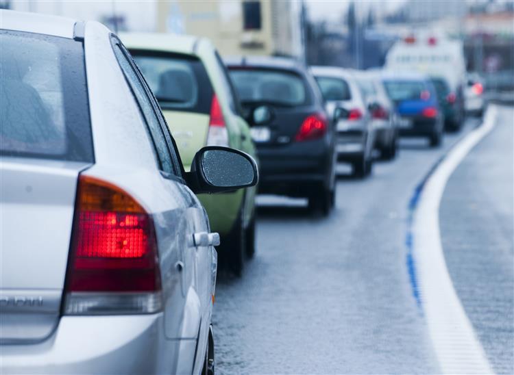 Acidente no Eixo Norte/Sul desvia trânsito para Praça de Espanha