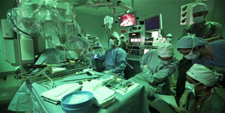 Hospitais tratam e operam cada vez mais doentes oncológicos