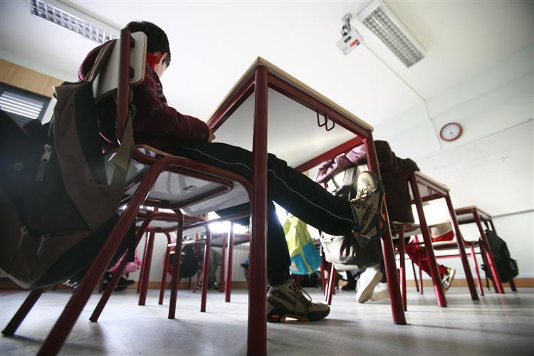 350 professores faltaram à prova de avaliação docente