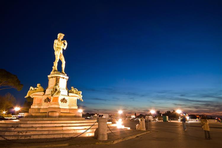 250 sismos em três dias fazem temer pela estátua de David em Florença