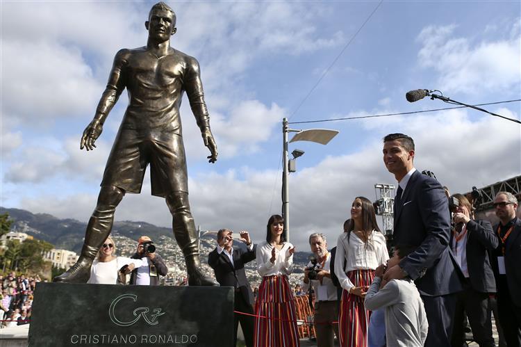 Ronaldo já tem estátua na Madeira
