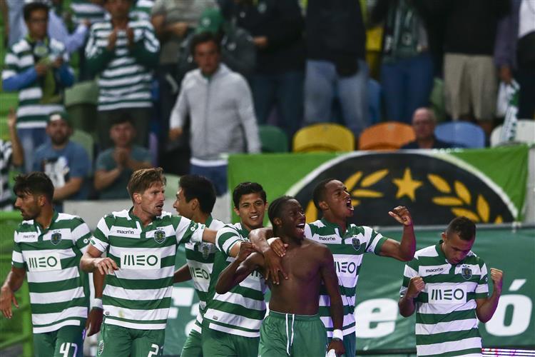 Sporting recebe Famalicão nos 'quartos' da Taça