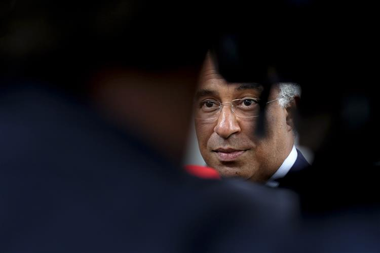 Três sindicatos da TAP pedem reunião urgente com António Costa