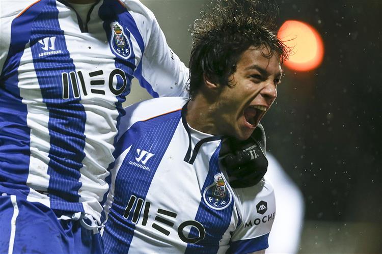 FC Porto vence o Penafiel (3-1)