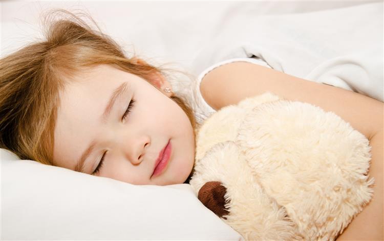 Os seis grandes erros na hora de pôr os filhos a dormir