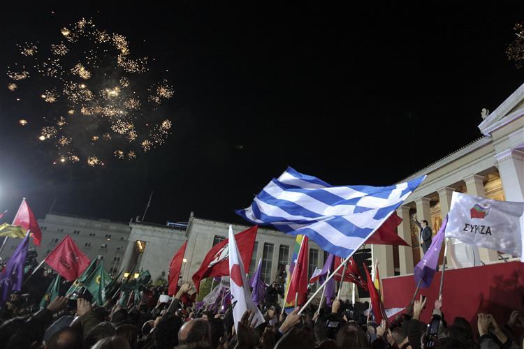Grécia: Domingo histórico para o Syriza, segunda de negociações