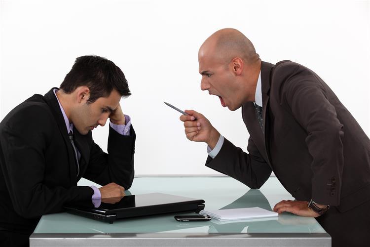 Como lidar com um mau chefe