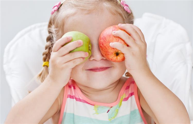 Sabe quais são as crianças que comem menos fruta?