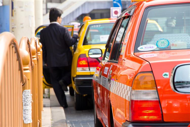 Taxistas sul-coreanos fartos de passageiros que vomitam