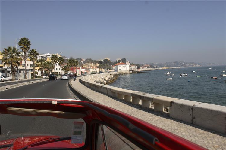 Cascais/Lisboa: Reaberto o trânsito na Marginal