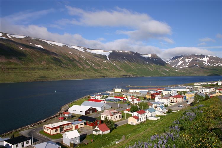 Islândia condena mais cinco banqueiros