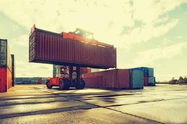 Exportações sobem 5,8%
