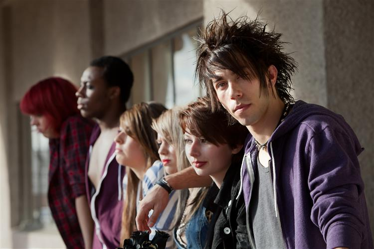 Subculturas: Insultar um gótico ou um punk é crime em Inglaterra