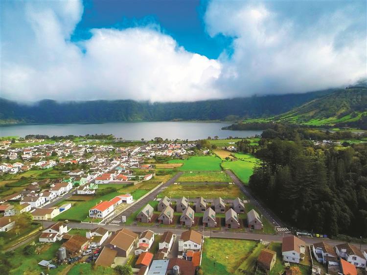 Açores arrendam casas de Souto de Moura por 250 euros