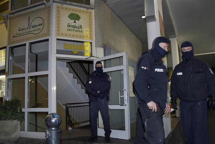 Alemanha detém suspeito de venda de armas para ataques