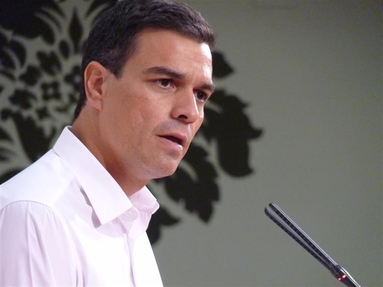 Líder socialista espanhol admite liderar governo de esquerda à imagem de Portugal
