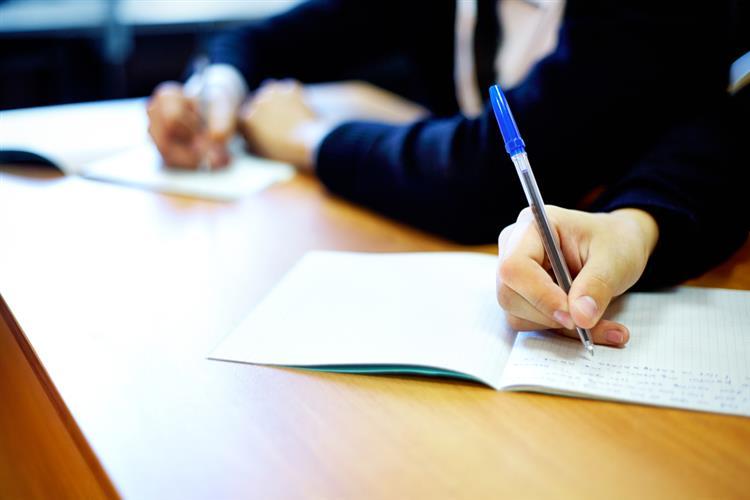 Parlamento aprova fim dos exames do 4.º ano