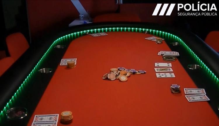 VIDEO: PSP divulga vídeo sobre operação em casino clandestino em Oeiras