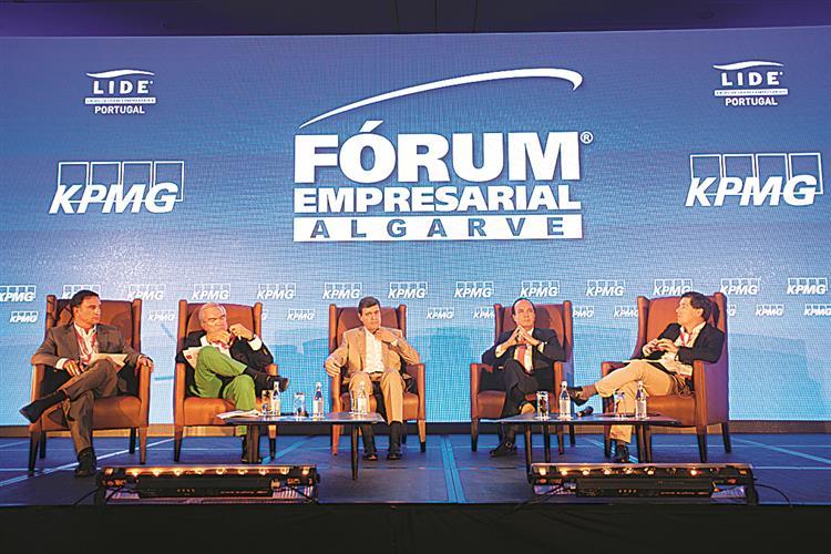 Lide debate mudanças políticase económicas
