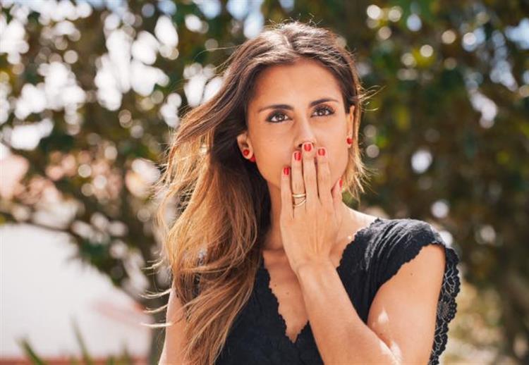 Carolina Patrocínio responde a críticas sobre a sua barriga