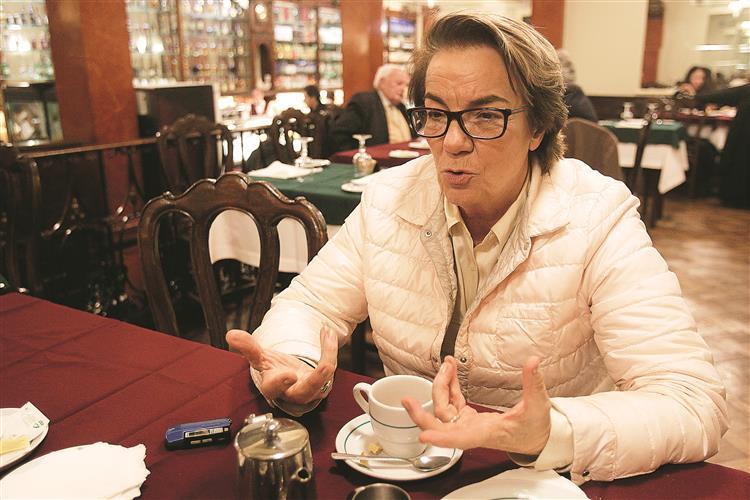 Zita Seabra: 'Nunca Cunhal aceitaria apoiar um governo sem o PCP ter lugar nele'
