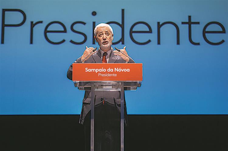 """Sampaio da Nóvoa espera convergência da esquerda no """"momento certo"""""""