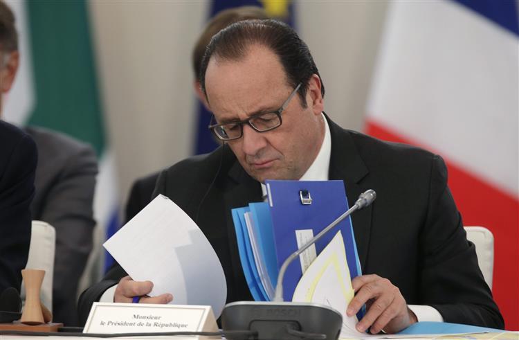 Popularidade de Hollande subiu 22% após os ataques terroristas em Paris