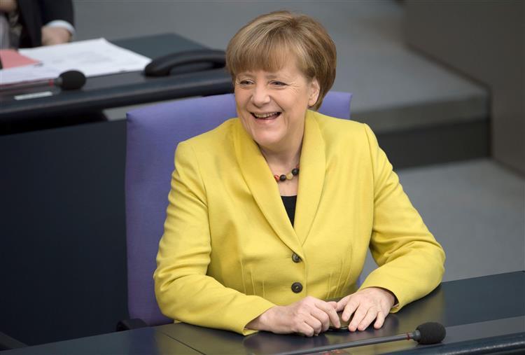Alemanha aprova extensão do programa de assistência financeira à Grécia