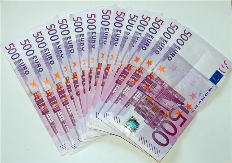 Banif reduz prejuízo para 295 milhões de euros